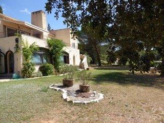 Grande villa avec piscine aux portes des Gorges d - Aups vacation rentals