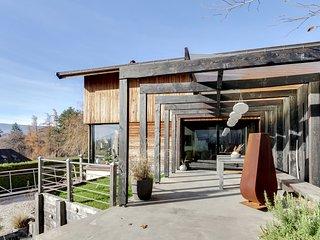 Belle Villa contemporaine sur le Lac d'Annecy - Veyrier-Du-Lac vacation rentals