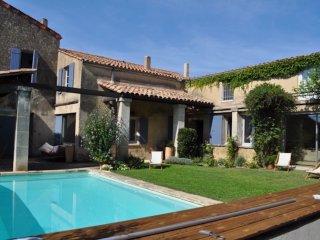 Maison de village avec piscine proche de Lourmarin - Lauris vacation rentals