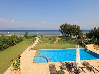 Bright 4 bedroom Villa in Kassiopi - Kassiopi vacation rentals