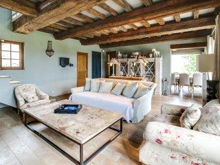Magnifique chaumière avec piscine près de Deauvill - Tourgeville vacation rentals