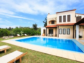 Bright 4 bedroom Villa in Kefalas - Kefalas vacation rentals