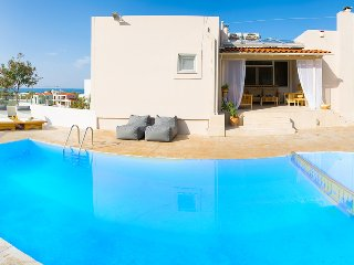Beautiful Villa with Internet Access and A/C - Adelianos Kambos vacation rentals