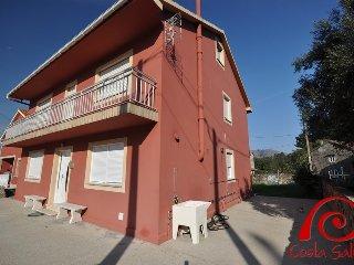 Bright 4 bedroom House in Sancibrian - Sancibrian vacation rentals