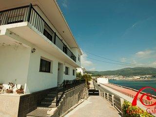 Cozy 3 bedroom House in Muros - Muros vacation rentals