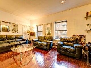 Absolutely huge  two bed apt in  Midtown East - New City vacation rentals