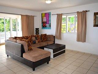 Appartement Punavai Toru - 2 chambres -piscine et vue mer - Tahiti - 4 pers - Punaauia vacation rentals