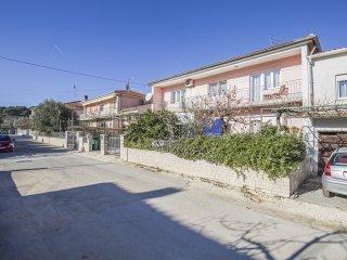 TH00183 Apartments Biserka / Three bedrooms Vita A2 - Pula vacation rentals