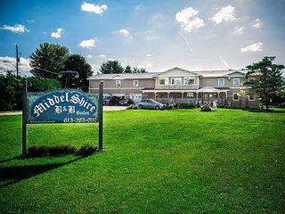 Middelshire  8 bedroom, sleeps 20, Eastern Ontario - Merrickville vacation rentals