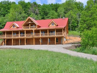 Welcome at Solange Lodge, a Log Cabin build on 100 acres of private land. - Saint Johnsville vacation rentals
