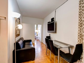 Stunning Two bed apt , in Hells Kitchen - New York City vacation rentals