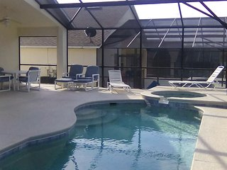 EXECUTIVE STANDARD 4Bed Villa With Pool,Spa,Games Room & Wifi on Gated Community - Davenport vacation rentals