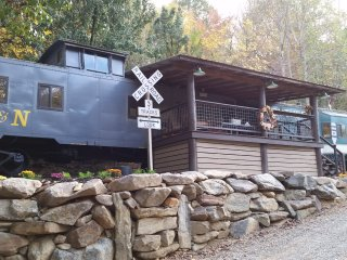 Cabooses on the Tuckasegee River - Whittier vacation rentals