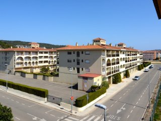 Cozy 2 bedroom Condo in L'Estartit with A/C - L'Estartit vacation rentals
