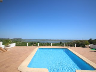 Comfortable Condo with Washing Machine and Shared Outdoor Pool - Rafol de Almunia vacation rentals