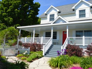 Luxury In The Heart Of Door County, Downtown Baileys Harbor - Baileys Harbor vacation rentals