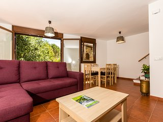 Nice 3 bedroom Pobleta de Bellvehi Condo with Internet Access - Pobleta de Bellvehi vacation rentals