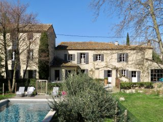Beautifully renovated farmhouse, with heated 15x4 pool and large garden - Saumane-de-Vaucluse vacation rentals