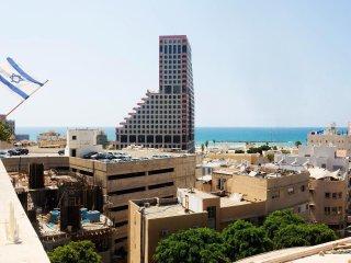 AMAZING 2BD DUPLEX SEA VIEW/TERRACE - Tel Aviv vacation rentals