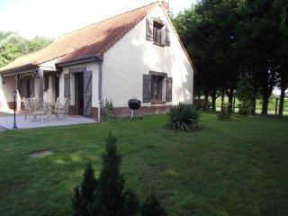 Les Portes des Froises - G ITE 3 CHAMBRES 6/7 COUCHAGES en Baie de Somme - Saint-Quentin-en-Tourmont vacation rentals
