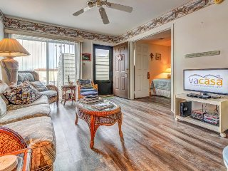 Jetted tub + resort amenities like shared pool! Just 2 blocks from the beach! - Ocean City vacation rentals