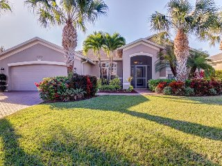 Chic family-friendly getaway w/ private pool - close to shopping & more! - Fort Myers vacation rentals