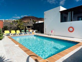 Nice 4 bedroom Villa in Yaiza - Yaiza vacation rentals