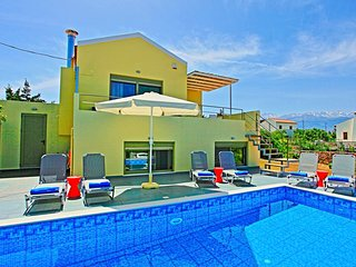 Nice Villa with Internet Access and A/C - Vamos vacation rentals