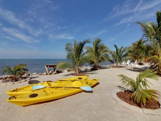 Luxurious waterfront retreat with private pool, boat ramp, & hot tub - Marathon vacation rentals