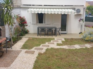"""""""Garden"""" apartment in the center for 5 - Novalja vacation rentals"""