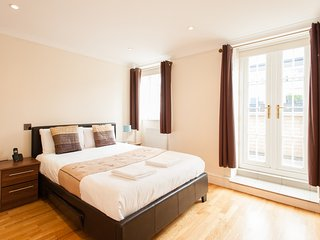 *REDUCED* Penthouse Zone 1 Apartment - London vacation rentals