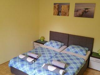 Comfortable and spacious apartment near center - Novalja vacation rentals