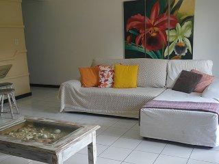 Apartamento 2Quartos 6Pax a metros da praia em Arraial D´Ajuda - Arraial d'Ajuda vacation rentals