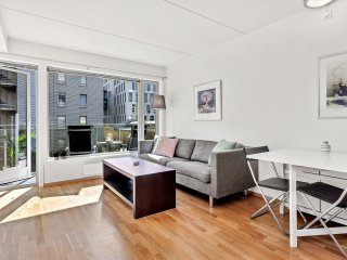 PL31-Superior City Center 1BD/1BA/Balcony 4ppl Budget - Oslo vacation rentals