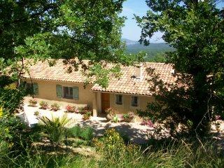 Splendide Villa avec Vue Mer Piscine et Jacuzzi - Mons vacation rentals