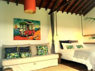 Bananas Lodge - Charming & comfortable bungalows - Amazing location - Surf, Golf - Ribeira Grande vacation rentals