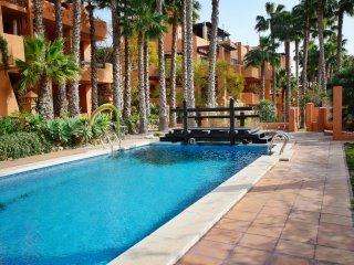 2 Bed XL Apt / Air Con / Wi-Fi / Near Villamartin - Villamartin vacation rentals