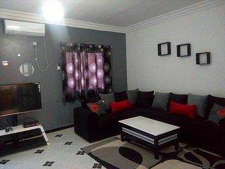Nouveau Akid Lotfi ! joli appartement à louer - Oran vacation rentals
