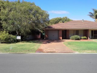Lovely House with Satellite Or Cable TV and Television - Busselton vacation rentals