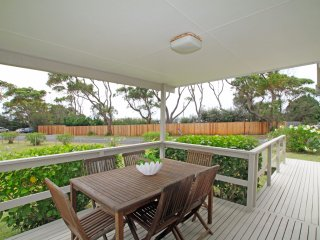Nice 2 bedroom Berrara House with Television - Berrara vacation rentals