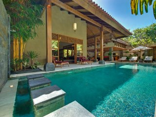65% OFF Fancy 4 Bedrooms Private Villa Seminyak - Seminyak vacation rentals