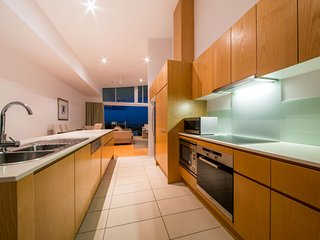 Caller's Lodge - Azure Sea Apartment - Airlie Beach - Airlie Beach vacation rentals