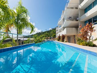 Azure Sea Apartment #1 Airlie Beach *WIFI* - Airlie Beach vacation rentals