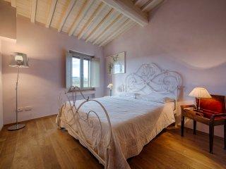 Apartment with view of San Gimignano Casa Bondi - Ulignano vacation rentals