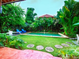 3 BR Lux Pool Villa Ocean Star No2 Seminyak 100m beach and KuDeTa club - Seminyak vacation rentals