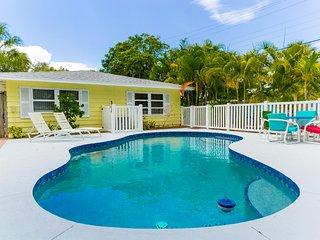 Mango Manor - Vibrant 4/3, W/Heated Pool, Right By Beach Access #13 [Sleeps 12] - Siesta Key vacation rentals