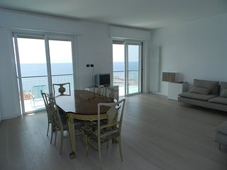 Huge Attic 3 Bedrooms Big Terrace with Sea View - Ospedaletti vacation rentals