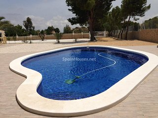 Apartment with private pool in a villa Mutxamel Alicante 20min from the airport - Mutxamel vacation rentals