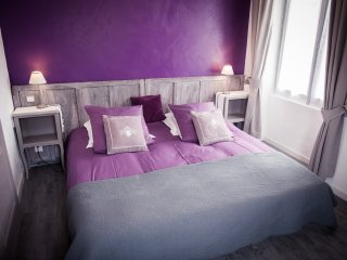 Nice Bed and Breakfast with Swing Set and Housekeeping Included - Tour-de-Faure vacation rentals