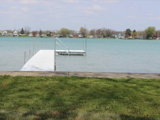 Huge 4800 Lakefront Home with 6 BR perfect for Family Reunion or Vacation - Elkhart vacation rentals